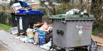 Prepolni januarski smetnjaki - kdo ni opravil svojega dela?
