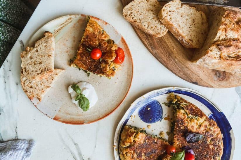 Čičerikina omleta na mizi